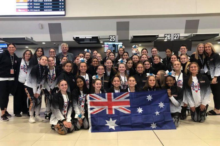 Cheerleading Team depart for Europe!