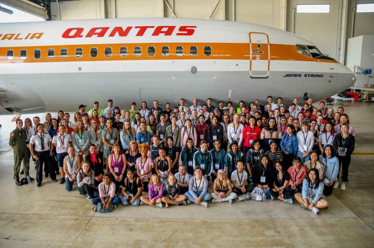 STEM Girls in Aviation